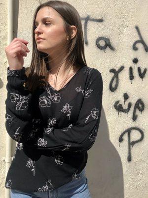 Μαύρη βε φλοράλ μπλούζα Levin Kaffe